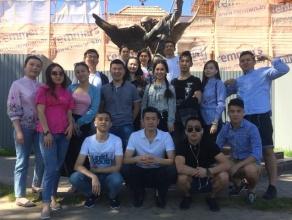 Проходящие обучение в БГАТУ казахские студенты приняли участие в исторической экскурсии по г. Минску