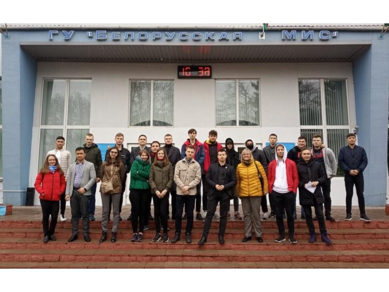 Студенты инженерно-технологического факультета на БелМИС